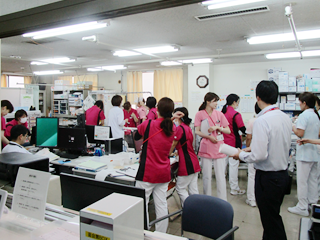 長津田厚生総合病院 看護部ナースステーション(新館3階)